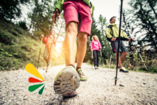 Qué es la marcha nórdica y qué beneficios tiene para tu vitalidad